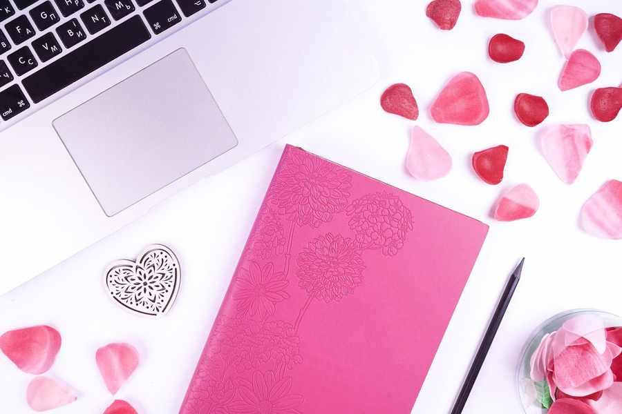 Как красивое написать стихотворение о любви?